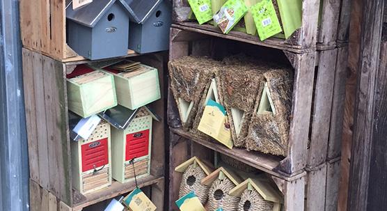 Refuges à insectes et oiseaux - Outils et accessoire du jardin